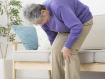 膝の痛みを引き起こす姿勢と座り方3選